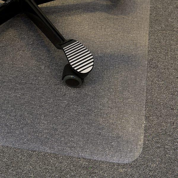 Stolunderlag, plast som beskytter gulvet